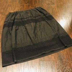 Old Navy grey knee length skirt with eyelet trim